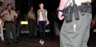 Paris Hilton fermata all'aeroporto in Corsica