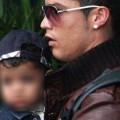 Cristiano Ronaldo e Cristiano Jr. (Vanity Fair)