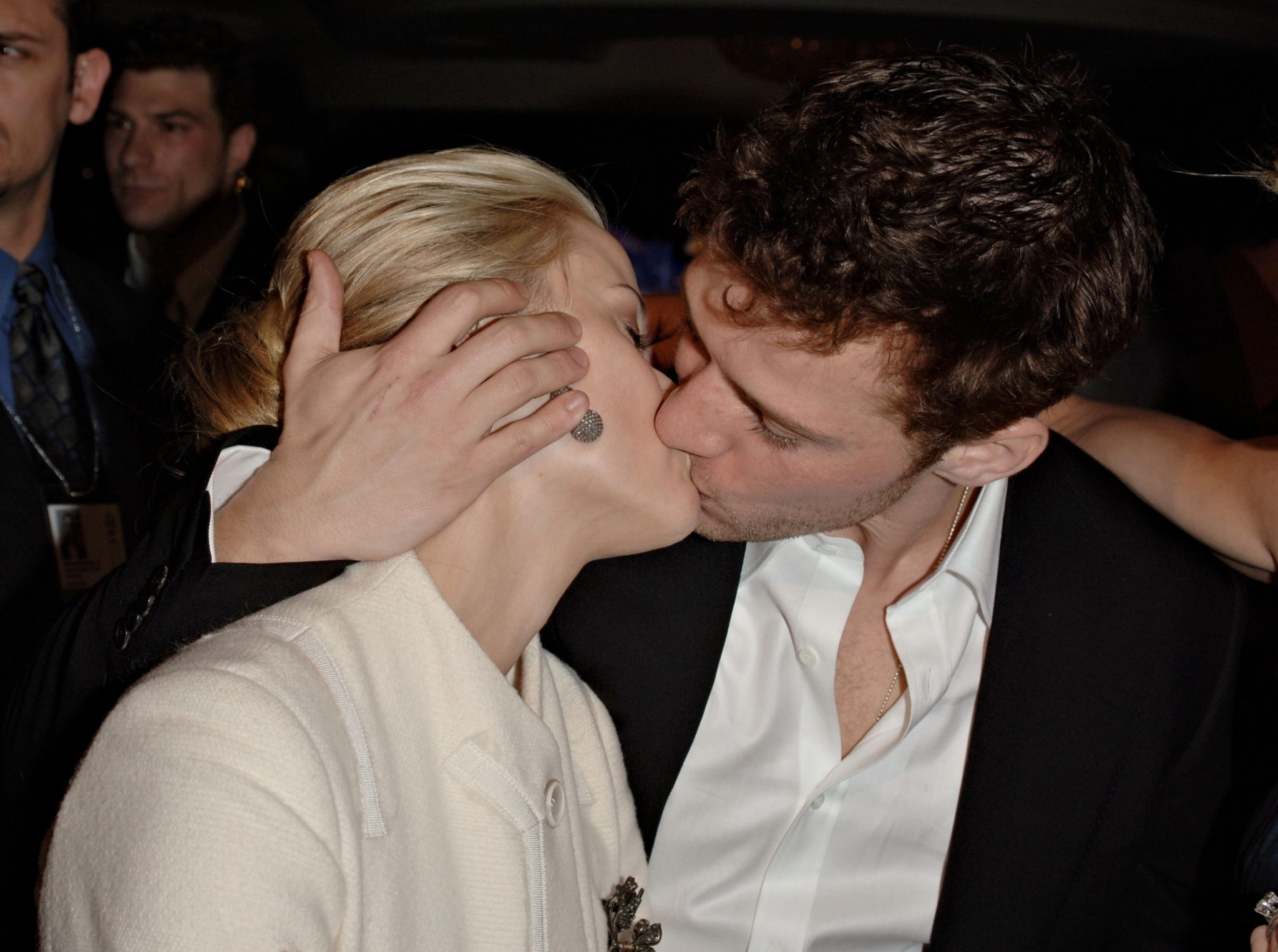 Reese Witherspoon bacia Ryan Phillippe     169  Stephen Shugerman   Getty    Reese Witherspoon And Ryan Phillippe Kiss