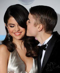 Justin Bieber e Selena Gomez   © VALERIE MACON/AFP/ Getty Images