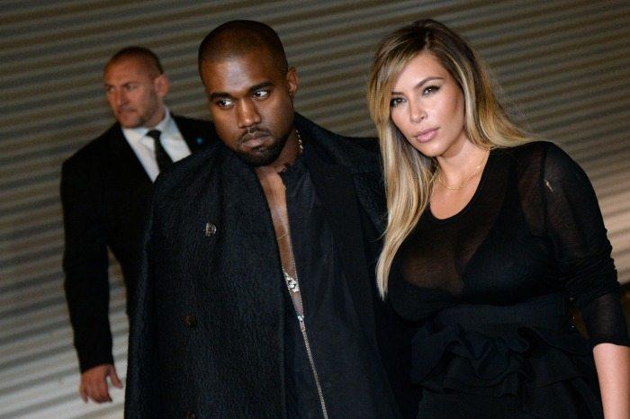 Kanye West e Kim Kardashian | © PIERRE ANDRIEU / Getty Images
