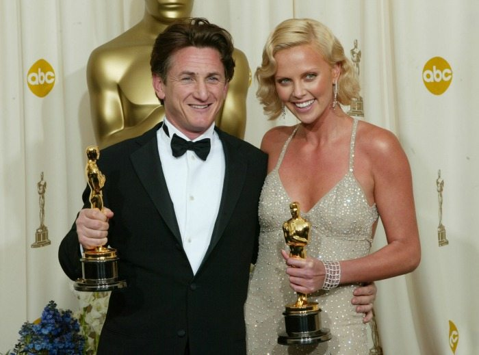 Sean Penn e Charlize Theron agli Oscar 2004 | ©  Frank Micelotta / Getty Images