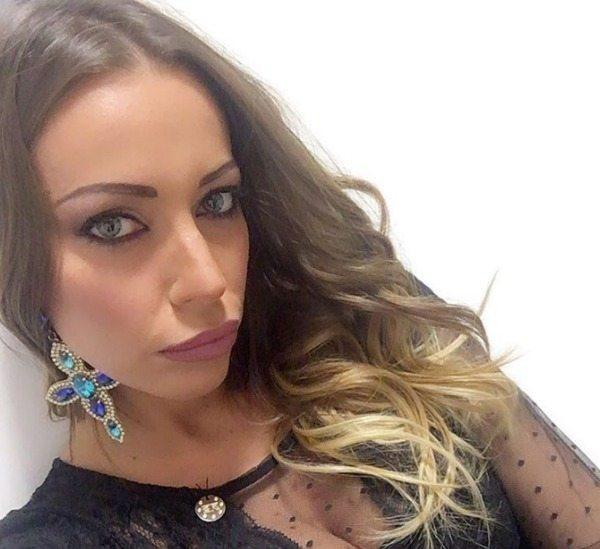 VIDEO Karina Cascella, la figlia su Instagram critica Belen. Ha 6 anni…